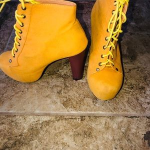 Shoes - Tan Work Boots With Heels